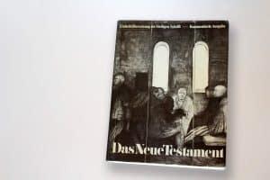 Webdesign für Kirchen: Bibel mit dem Ploetzenseer Todestanz am Cover